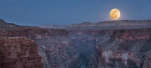honey moon over grand canyon